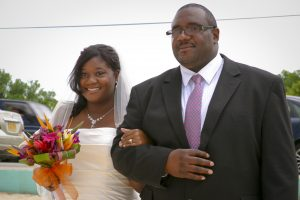 Cruise-ship diverted to Cayman, no problem for this wedding - image 1