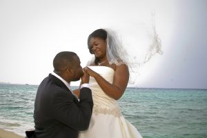 Cruise-ship diverted to Cayman, no problem for this wedding - image 7
