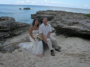 Grand Cayman-Smith's Cove in Top 10 Secluded Wedding Beaches! - image 1