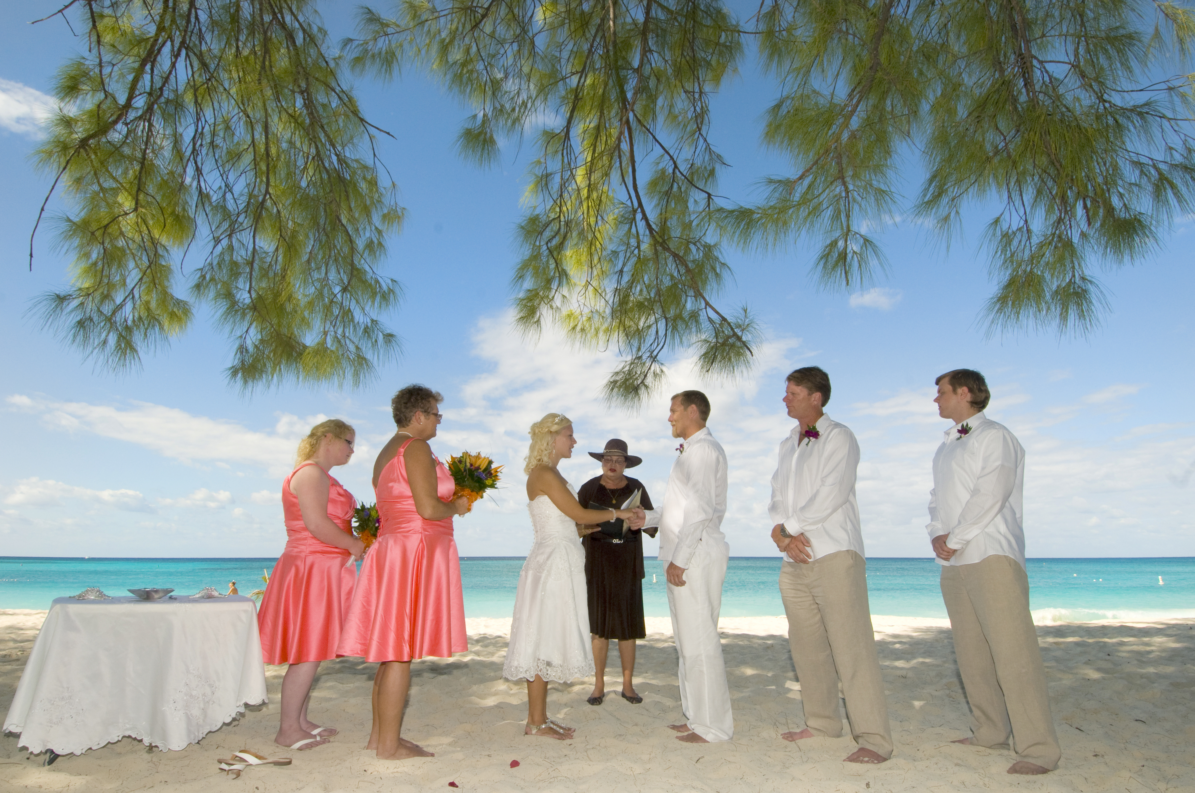 This Tampa Bride Shines At Her Cayman Beach Wedding Simply