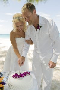 This Tampa Bride Shines at her Cayman Beach Wedding - image 3