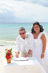 Why this Bellingham, WA Bride Loved her Grand Cayman Wedding - image 3