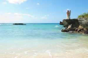 The other side of a Smith's Cove, Grand Cayman wedding shoot - image 4