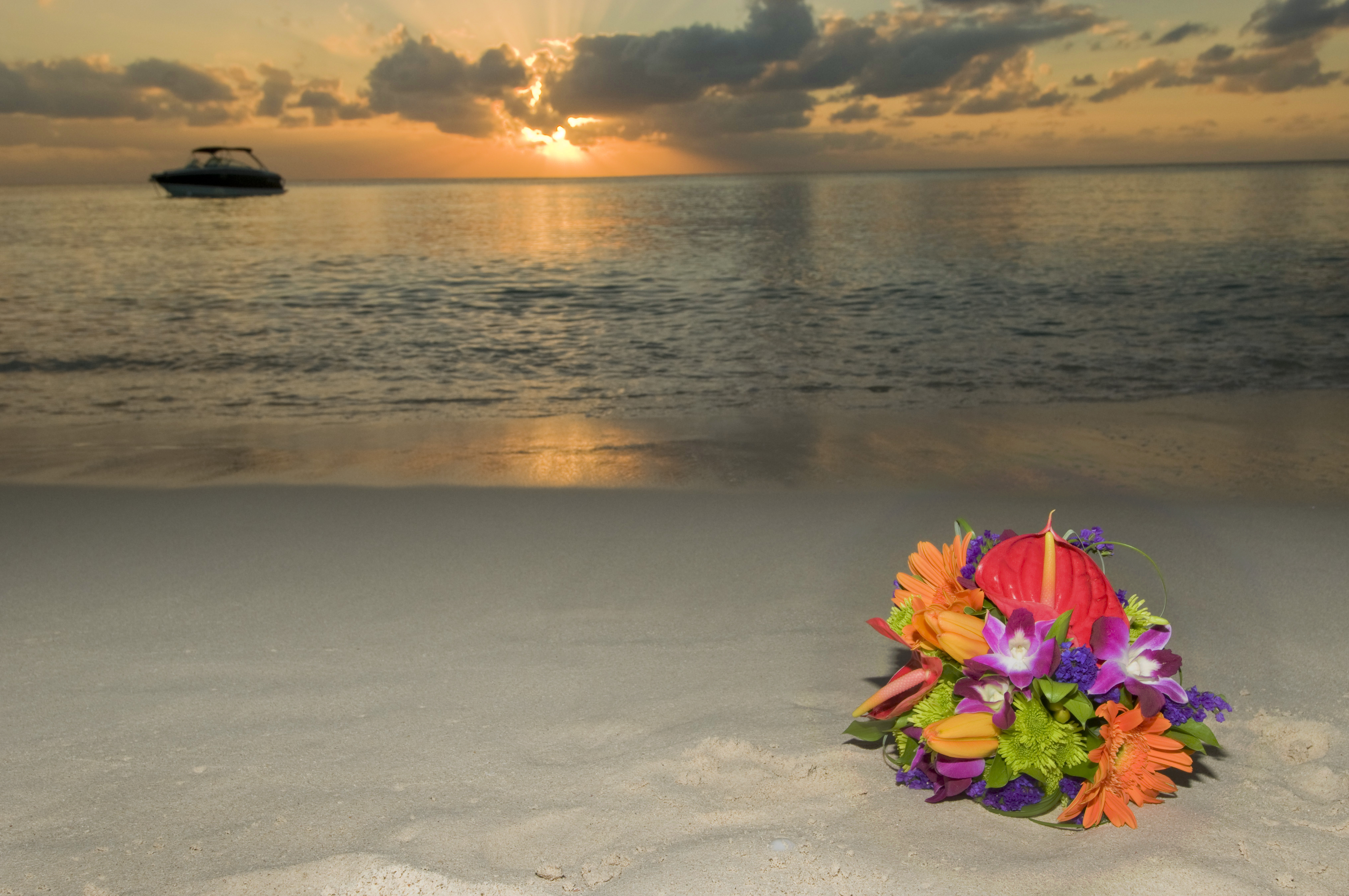 we loved this romantic sunset beach wedding in grand