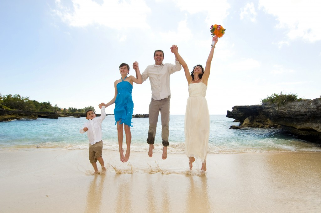 Married...With Children (in Grand Cayman) - image 5