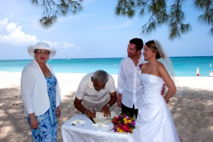 It's so easy to have a Cayman Is Cruise Wedding...see how here - image 4