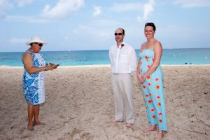 How I use my Ipad 2 in your Cayman Islands beach wedding - image 1