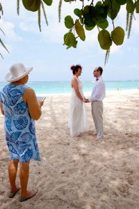 How I use my Ipad 2 in your Cayman Islands beach wedding - image 2