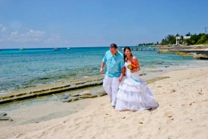 Gather friends and family for a cruise wedding in Grand Cayman - image 4