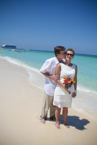 Easter Monday Remarriage on Seven Mile Beach for Raleigh, NC couple - image 7