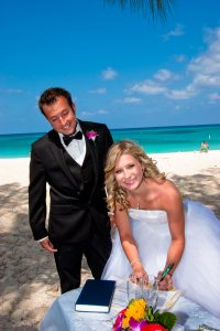 These Grand Cayman Beach Wedding Photos Will Blow You Away - image 3