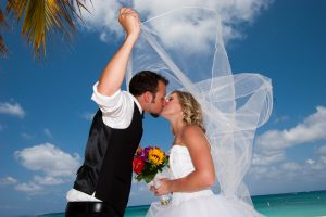 These Grand Cayman Beach Wedding Photos Will Blow You Away - image 6