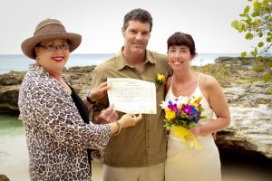 Smith's Cove was the answer for this Cruise Wedding in Cayman - image 1