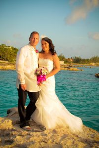 Like a Handprint on My Heart... Smith's Cove, Grand Cayman Wedding - image 3
