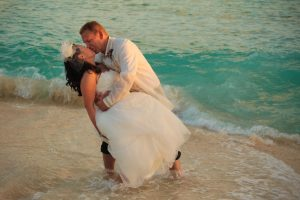 Like a Handprint on My Heart... Smith's Cove, Grand Cayman Wedding - image 4