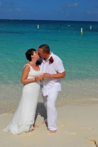 Special 15th Wedding Anniversary Ceremony in Grand Cayman - image 5