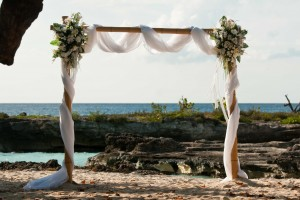 This Irish Bride Was Smiling at Her Grand Cayman Beach Wedding