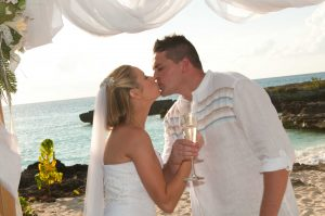 This Irish Bride Was Smiling at Her Grand Cayman Beach Wedding - image 4