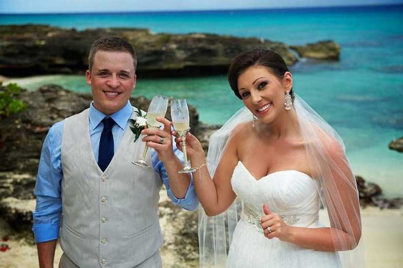 Eloping To a Tropical Destination Wedding, Check Out These Beach Wedding Packages - image 1